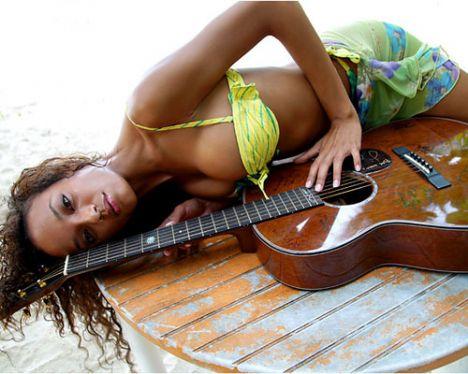 Selita Ebanks - 21